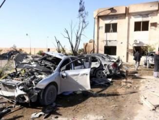 El lugar de la explosión del camión bomba, en Zliten. / M. TURKIA (AFP)