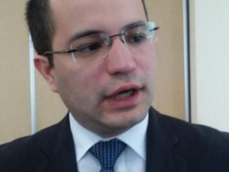 Licenciado Eduardo Ortega, Gerente de Bolsa de Valores de INVERCASA. FOTO: Alfredo Salinas.