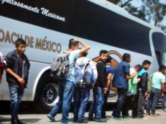 Los secuestradores amarraron a los migrantes y los obligaron a que proporcionaran los números telefónicos de su familia en Honduras.