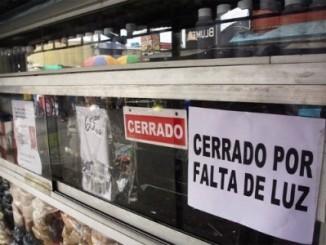 Venezolanos,sin agua,sin luz,racionamientos,semana santa,
