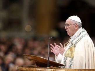 papa francisco,llama a ayudar,semana santa