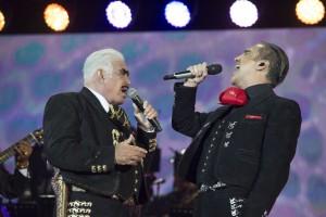 """VICENTE FERNÁNDEZ SE DESPIDE HOY DE LOS ESCENARIOS EN UN HIST""""RICO CONCIERTO"""