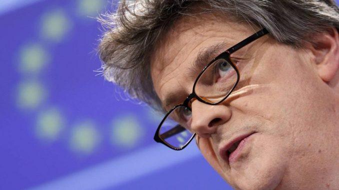 Jonathan Hill,dimite,reino unido,unión europea,