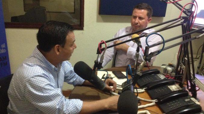 Transmisión en vivo,Radio
