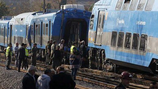 choque de trenes dejan 20 muertos,30 de junio
