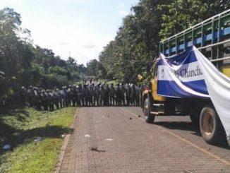 Campesinos,caravana,agresión,policía,