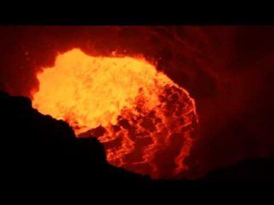 Lago de lava,volcán Masaya,