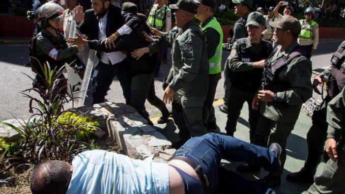diputados opositores,agredidos,Venezuela,