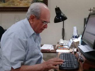 Pese a que son más de 50 años frente a su proyecto radial, Fabio Gadea Mantilla conserva energía para continuar la lucha en búsqueda de una Nicaragua en paz y libertad.  Foto: M.José Espinoza