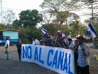 Efectivos de la Policía Nacional han sido desplegados por el Gobierno para tratar de impedir la marcha en contra del Canal Interoceánico