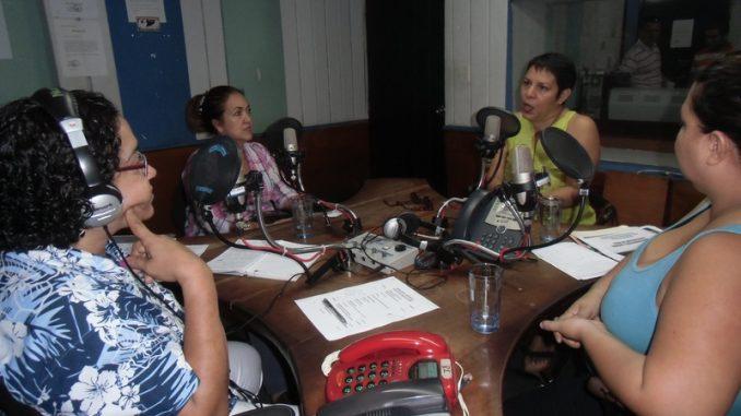 Radios Comunitarias emiten comunicado