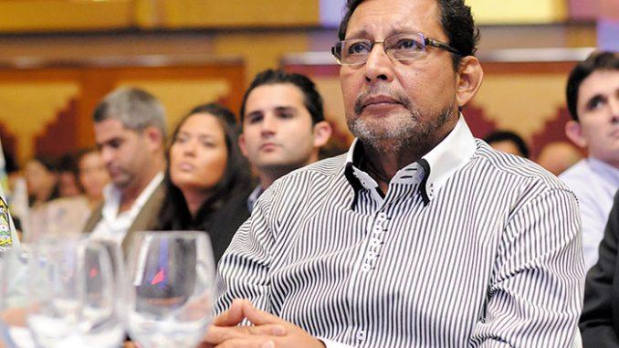 Bayardo Arce quiere elevar la edad de jubilación