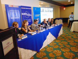 Brindan informe 2016 sobre comercio exterior