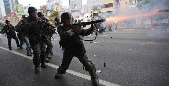 fusiles,Nicolás Maduro,Donald Trump