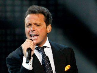El cantante Luis Miguel se encuentra detenido en Los Ángeles por no cumplir la orden de presentarse ante un juez federal
