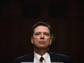 ex director del FBI,James Comey,