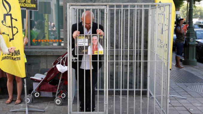 turquia envia a prision a activistas