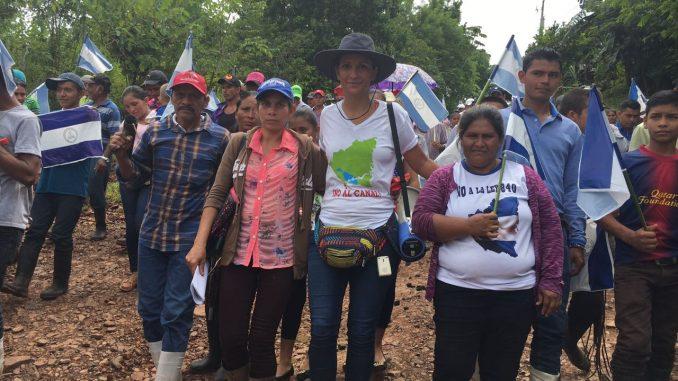 campesinos,marcha,Nueva Guinea,