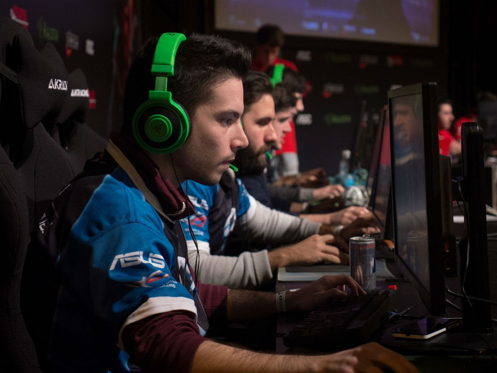 Las-competiciones-de-videojuegos-llegarán-a-la-TV-en-2016