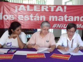 Feministas nicaragüenses (derecha-izquierda; Juana Jiménez, Mirna Blandón, Ana Quiroz, Fátima Millón y Eveling Flores)