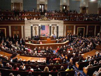 Aprueban la reforma fiscal de Donald Trump