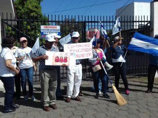Protesta contra Roberto Rivas