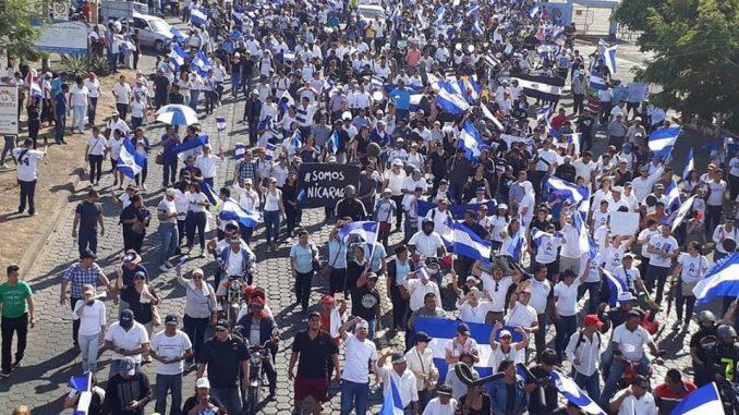 Multitudinaria marcha,nicaragüenses,Ortega,estudiantes,