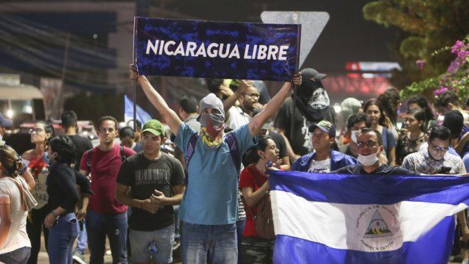 América Latina,paramilitares,