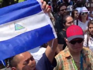 Nicaragüense le grita dictador a Evo Morales