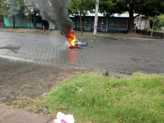 Queman a hombre en Managua