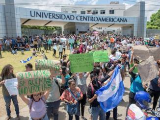 Universitarios de la UCA durante una protesta por la reserva Indio Maíz