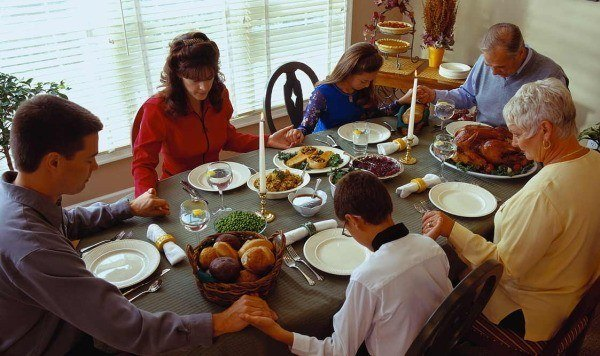 como-se-celebra-accion-de-gracias-o-thanksgiving-en-estados-unidos-600×356