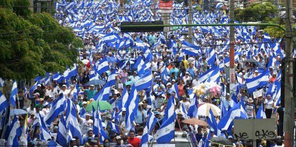 Marcha Azul y Blanco