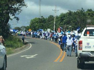 Cortesía: elinformeni.com Marcha de nicas a La Cruz, Guanacaste, Costa Rica.