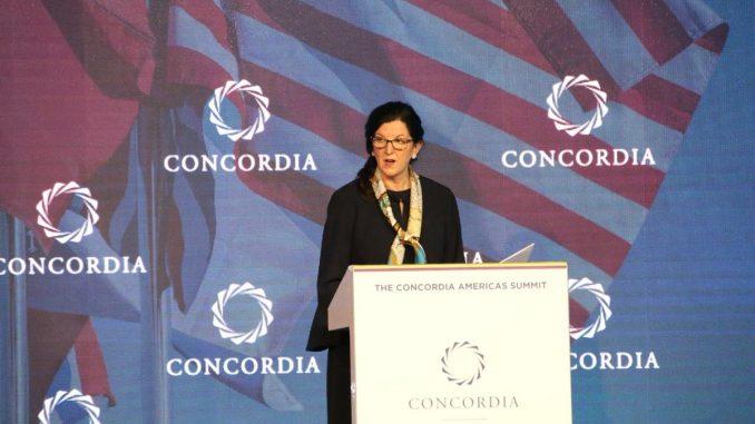 La secretaria de Estado adjunta de EEUU para Latinoamérica, Kimberly Breier