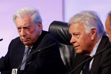 escritor peruano y premio Nobel de Literatura, Mario Vargas Llosa