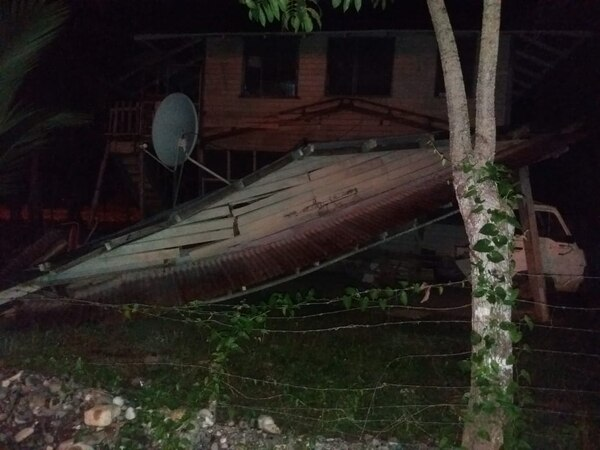 La CNE confirmó que recibió esta fotografía que indica los daños que sufrió una casa en Osa.