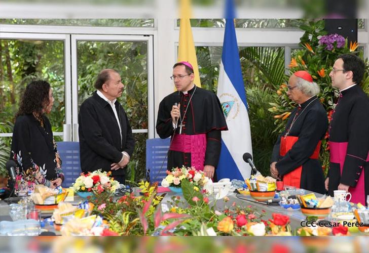 Nuncio y Daniel Ortega