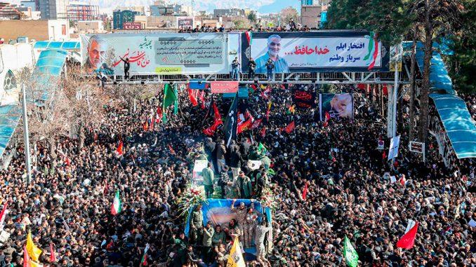 Estampida en el funeral del general iraní Soleimani