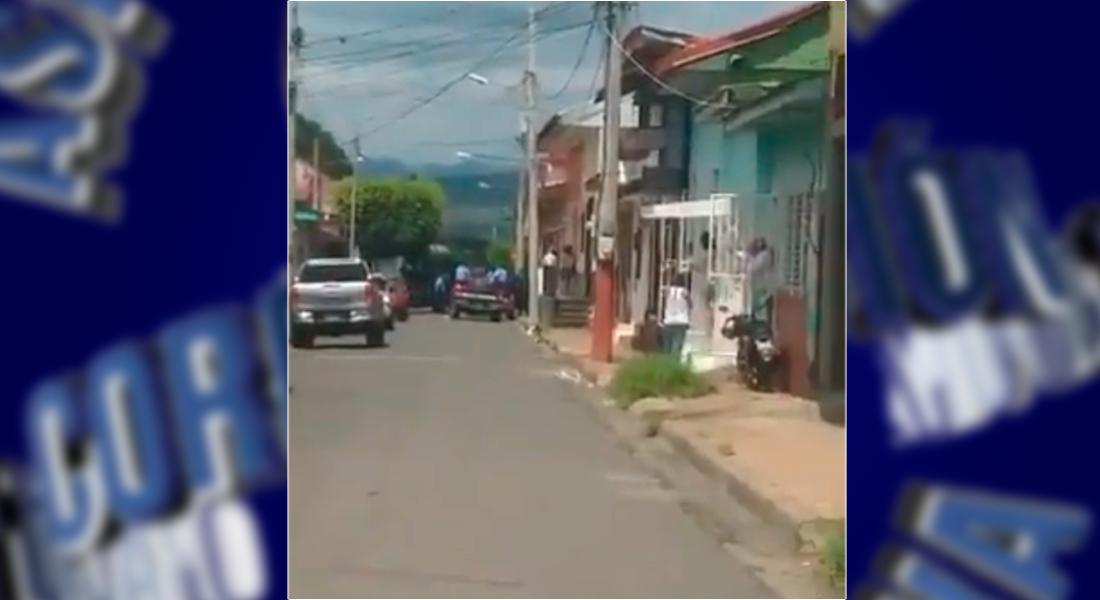 Policia allana casa de Santiago Fajardo
