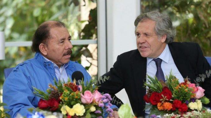 Asamblea General de la OEA: Unos aprietan y otros aflojan