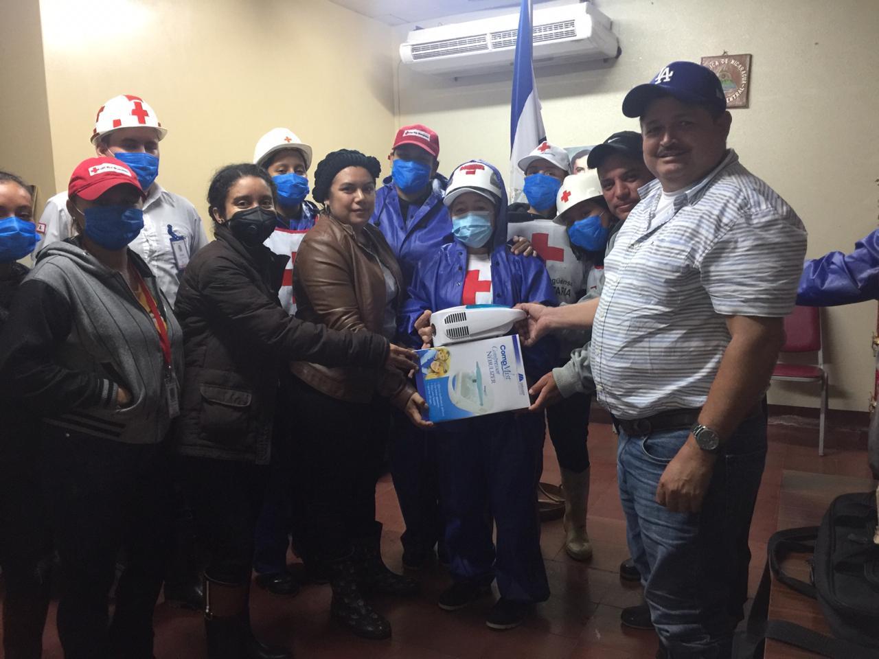 CxL entrega nebulizador a Cruz Roja