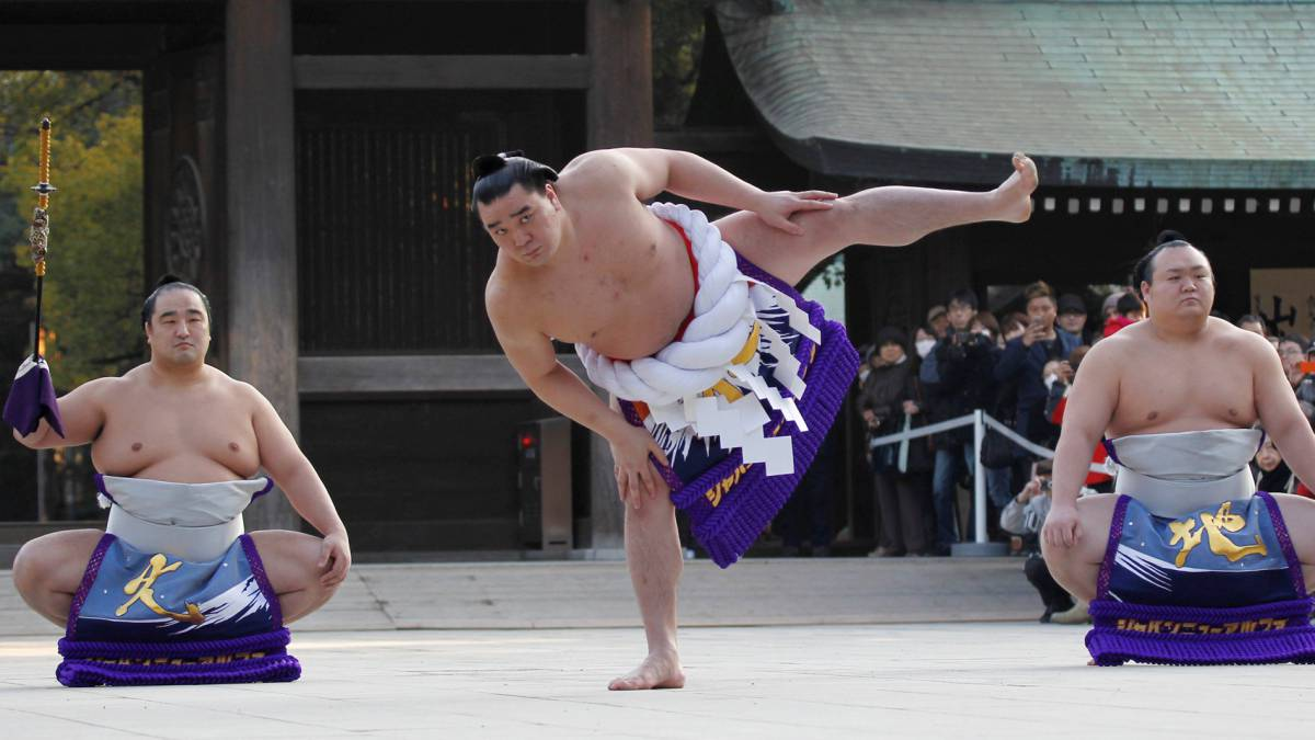 mayor campeón de sumo japonés, Hakuho