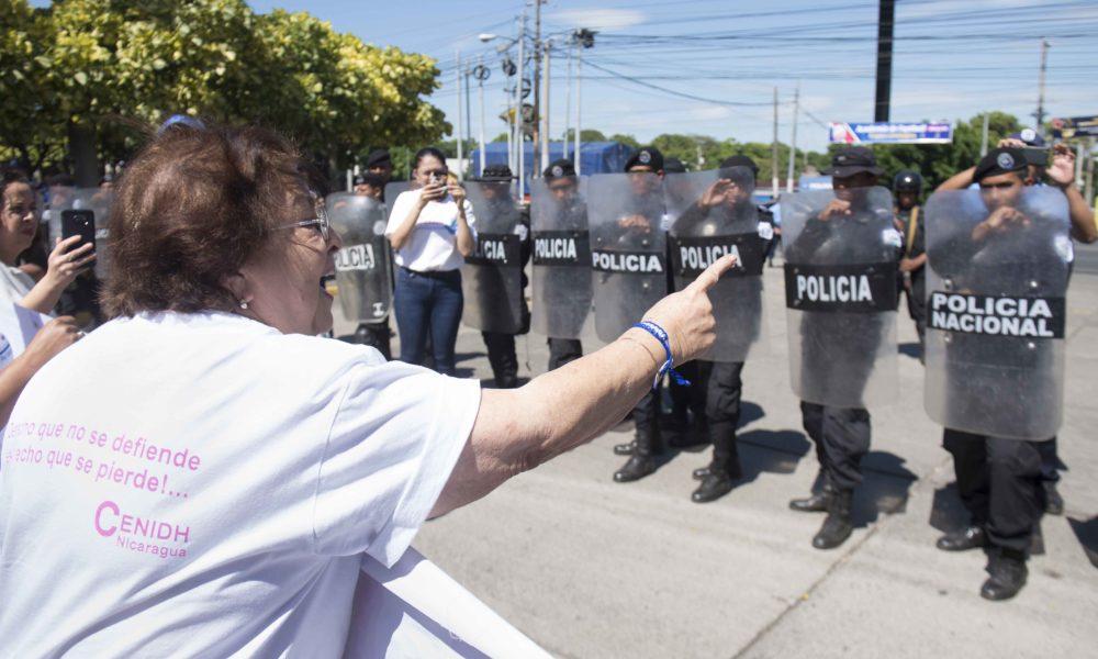 Familiares de presos politicos luego de participar