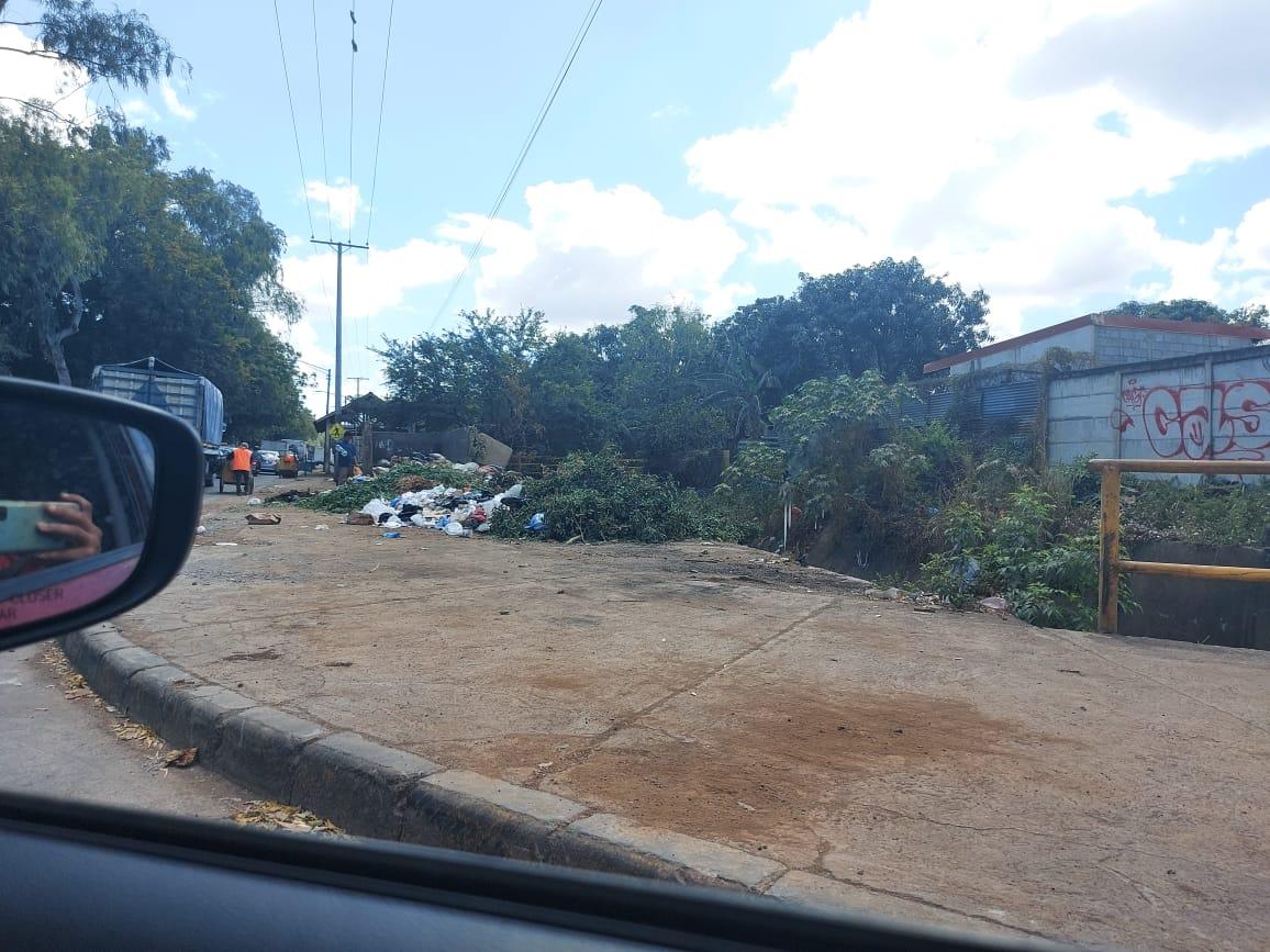 Basurero en un barrio de Managua